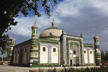 xinjiang: ancient royal family tomb/mosque in kashgar