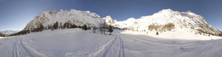 360° winter mountain panorama