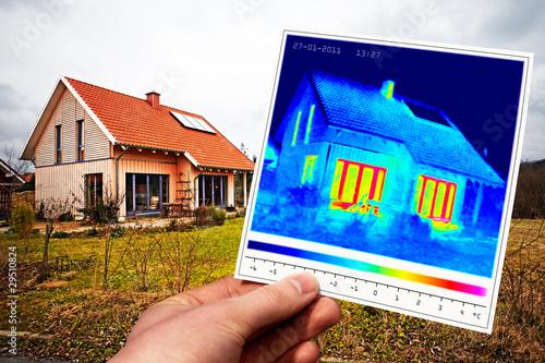 Leinwanddruck Bild modern one-family house and thermal imaging