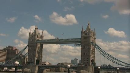 London Schnelle Wolken 4 Sek. & Bonus Loop (nach schwarz)