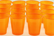 gobelets en plastique orange