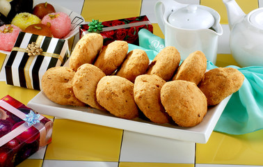 Kachori with Gifts