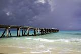 Fototapeta chmury - dok - Plaża