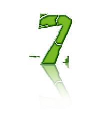 7 - Chiffre cassé en verre vert