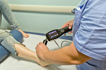 Cura della caviglia ad ultrasuoni
