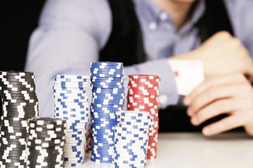 Pokerspieler Ass im Ärmel