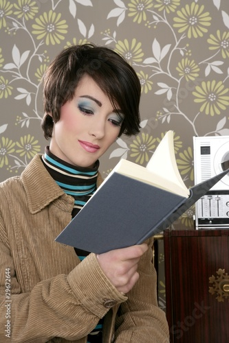 book reading woman retro vintage wallpaper room