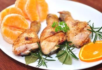 Hähnchenkeule mit Orangen und Rosmarin
