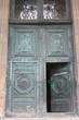 Paris-Porte-Monumentale-Eglise