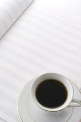 楽譜とコーヒーカップ