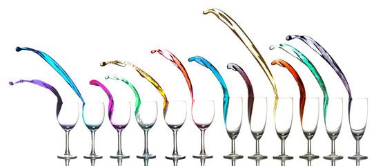 Liquides qui sortent de plusieurs verres