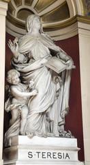 London - hl. Theresia from Avila i st. Philip Neri church