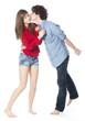 jeune garçon embrassant une jeune fille