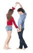 couple de jeunes gens dansant jouant