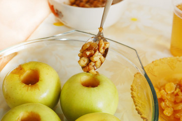 filling an apple