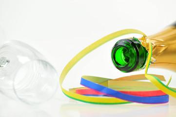 Sektglas und Sektflasche - Silvester Feier