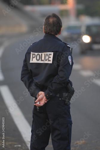 police surveillance policier