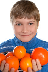 Teen Shows oranges. The child has a sore throat. He tied a warm