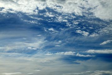ciel ébouriffé
