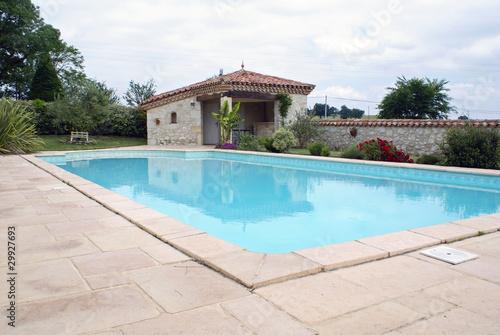 Belle piscine d 39 une maison du sud de la france 03 - Maison du sud de la france ...