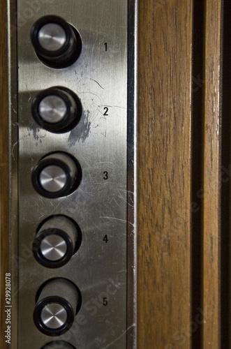 retro tastenfeld in fahrstuhl von eva z genthe lizenzfreies foto 29928078 auf. Black Bedroom Furniture Sets. Home Design Ideas