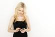 Frau mit Smart Phone