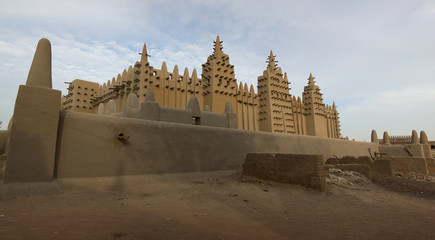 Djenné: African City of Mud