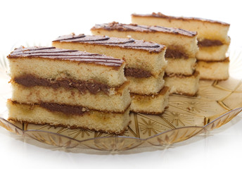 dessert al pan di spagna e cioccolato