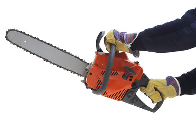 Showing how to work with chainsaw