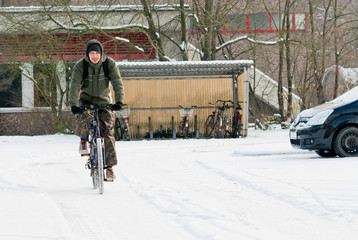 Bicyclist in the winter