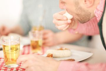 Weisswurst essen