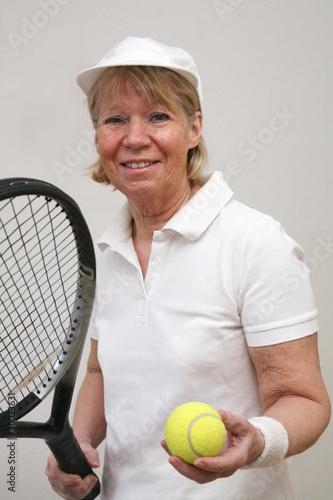 Frau beim Tennis 6