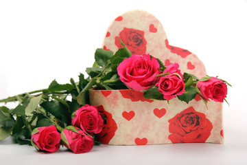 Roses with heart gift box