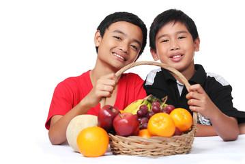 Kids loves fruits