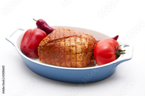 Rollbraten mit Gemüse im Bratentopf