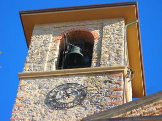 Campanile, campana e orologio