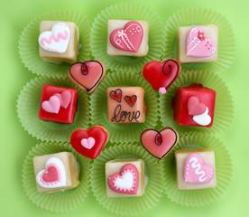 Petit fours Love <3