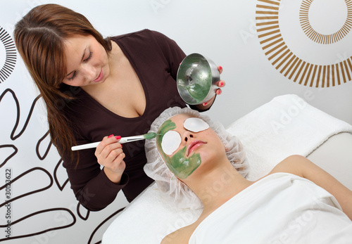 application seaweed mask