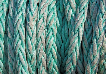 Tightly twisted rope