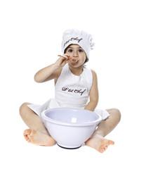 enfant cuisiiner goûter manger cuillère gourmand