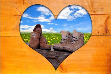 Herz Holz  Bilderrahmen braun Landschaft Wiese Frühling Urlaub