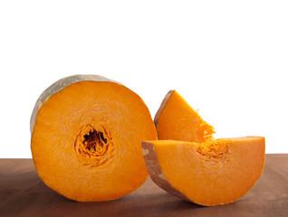 Zucca lunga tagliata con sfondo bianco