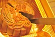 Knife cutting mooncake