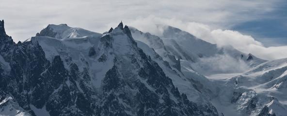 Aiguille du midi et le mont blanc