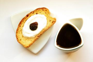 Tost z kawą