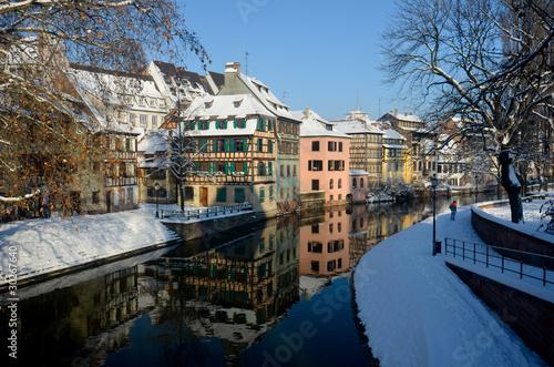 Papiers peints Ville sur l eau Hiver à Strasbourg
