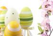 Uova pasquali e fiori di pesco