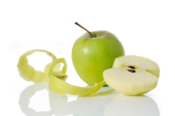 apple peel and peeled apple
