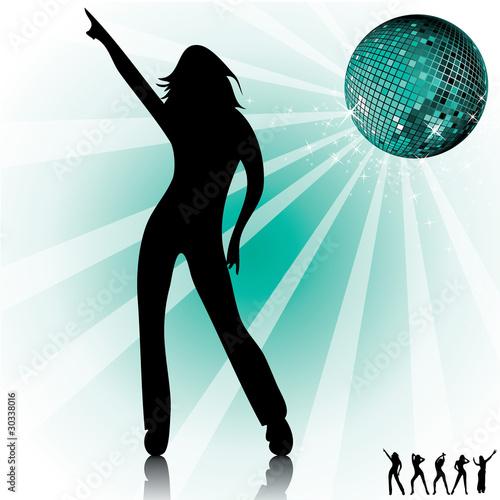 Silhouette femme qui danse. Boule disco