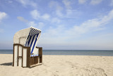 Fototapety Einsamer Strandkorb am Ostseestrand